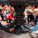 Kinder entdecken ihre Kirche
